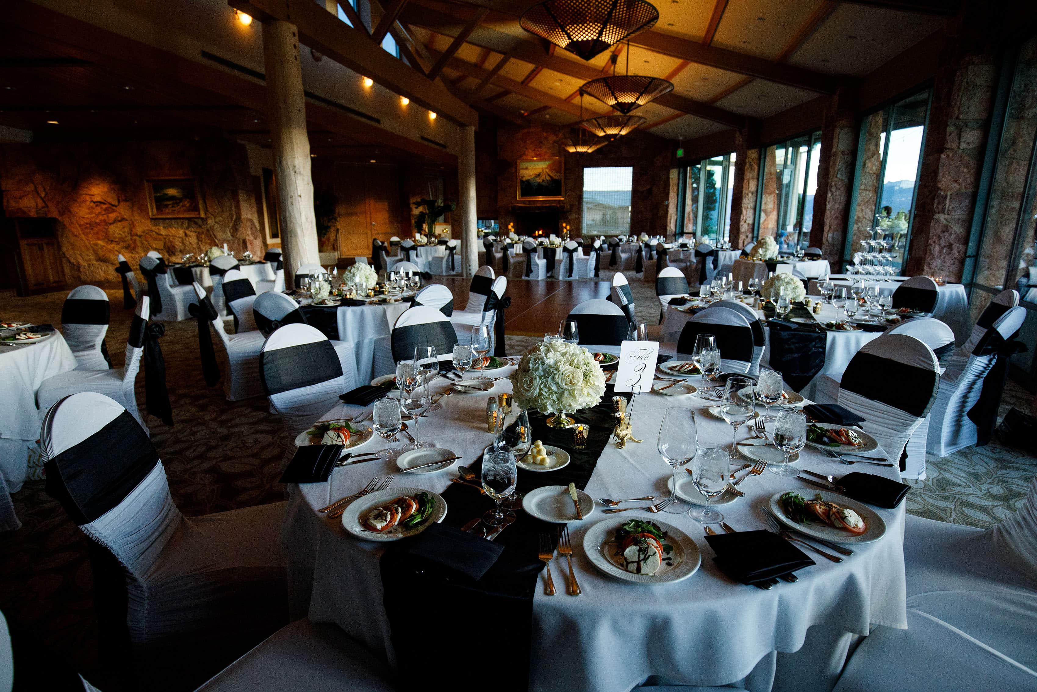 Garden of the Gods Club reception table setup