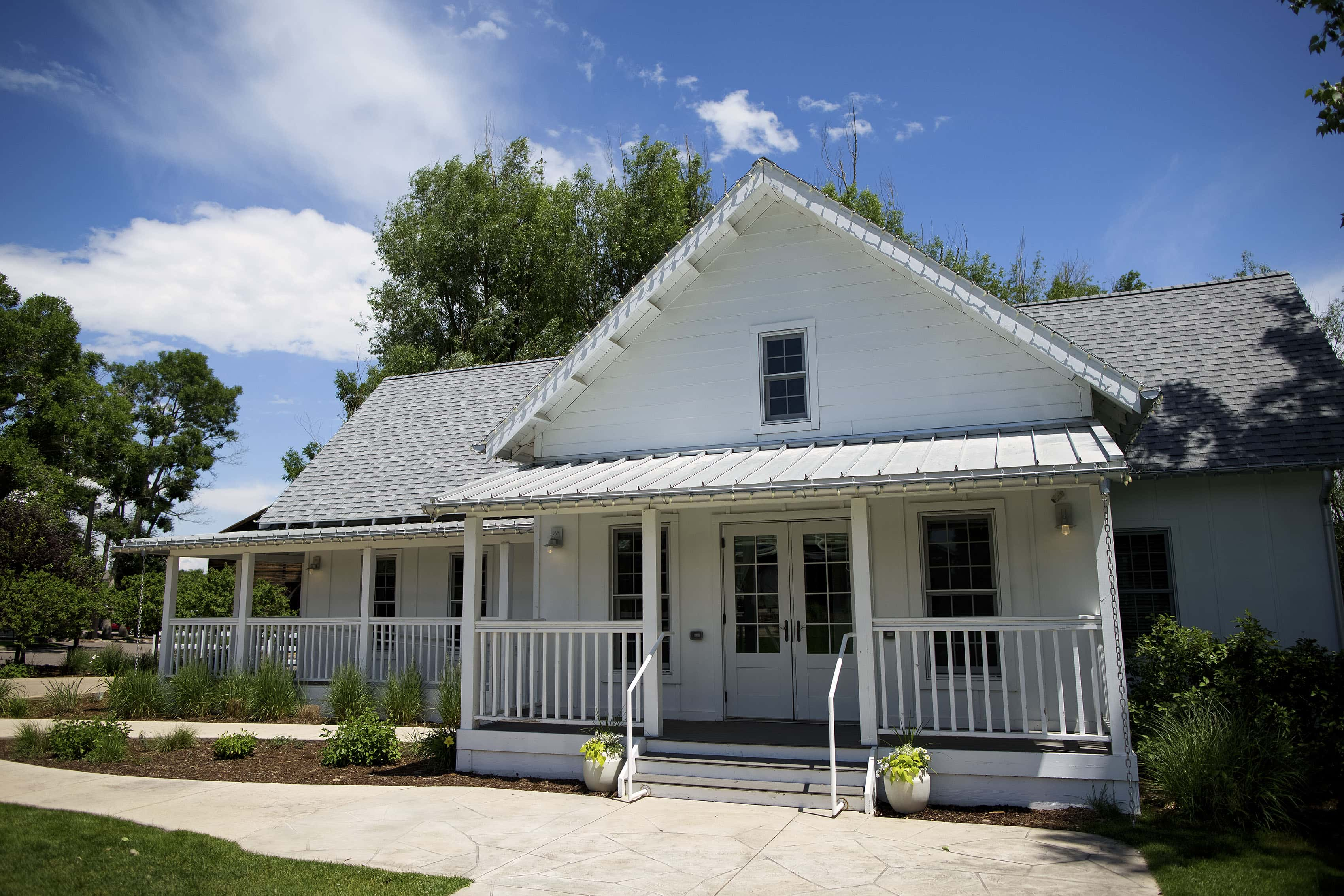 The Bridal cottage at The Barn at Raccoon Creek wedding venue